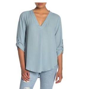 👕LUSH Split Neck Roll Sleeve Tunic Blouse👕